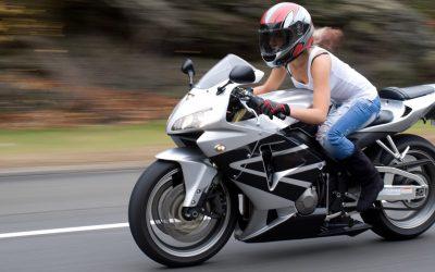Consejos para evitar dolor de espalda en moto