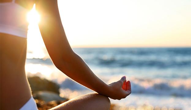 Cuida tu espalda también en la playa
